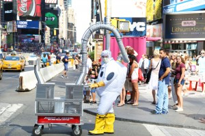 SATISFIXATION MPCU200 nyc Times Square Aug 21 2015 PHOTOS0647